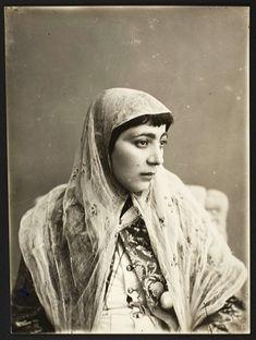 Qajar woman