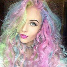 Esta nueva tendencia de cabello está revolucionando el look arcoíris