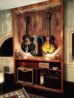 22 ideas music studio design guitar display for 2019 Home Music Rooms, Music Studio Room, Studio Setup, Studio Design, Design Studios, Home Design, Design Ideas, Guitar Storage, Guitar Display
