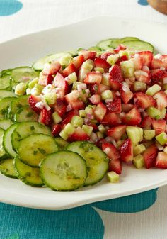 Stay fresh with a Strawberry, Cucumber & Mint Salad recipe. Our Strawberry, Cucumber & Mint Salad recipe only takes 15 minutes and makes enough for eight. Potluck Recipes, Kraft Recipes, Side Dish Recipes, Salad Recipes, Dinner Recipes, Cooking Recipes, Raw Vegan Recipes, Healthy Recipes, Paleo