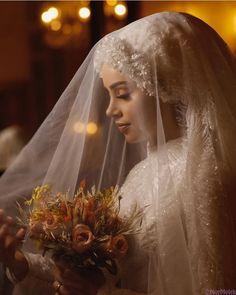 Wedding Hijab, Wedding Attire, Bridal Dresses, Bridesmaid Dresses, Hijab Style Dress, Muslim Brides, Beautiful Hijab, Bridal Makeup, Hijab Fashion