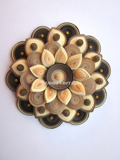 This could be made with something like apples and nilla wafers or fruit and cheese Quilled Roses, Paper Quilling Flowers, Paper Quilling Tutorial, Neli Quilling, Quilling Jewelry, Quilling Paper Craft, Paper Crafts, Diy Crafts, Quilling Comb