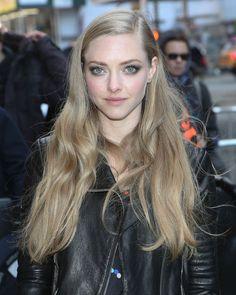 Make-up et coiffure d'été : les bonnes idées d'Amanda Seyfried                                                                                                                                                                                 Plus