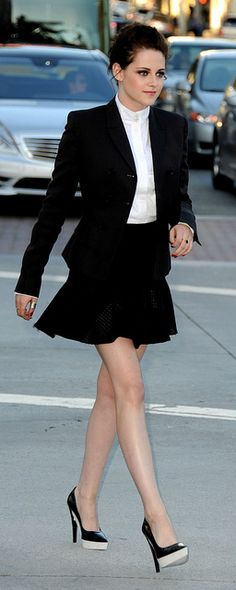Kristen Stewart at Snow White and the Huntsman LA Premiere - May 2012 - <3 the heels