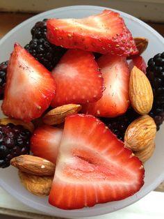 365 Paleo Recipe Project: DAY 6 - Berry Almond Fruit Salad