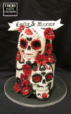 candy skull wedding cake sculpted skull both genders cakes amp cake decorating 12352