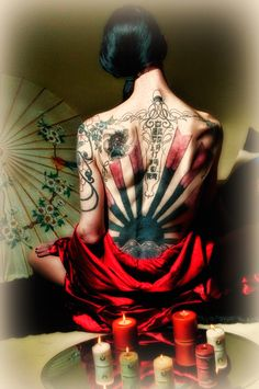 What does chinese tattoo mean? We have chinese tattoo ideas, designs, symbolism and we explain the meaning behind the tattoo. Asian Tattoos, Back Tattoos, Sexy Tattoos, Body Art Tattoos, Girl Tattoos, Tattoos For Women, Crazy Tattoos, Japanese Tattoos, Tatoos