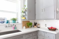 This Weekend: Take Care of Your Kitchen's Biggest Odor Offenders