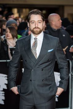 Here are 24 NEW HQ pics of Rosie Day and Richard Rankin at the Empire Awards More after the jump!