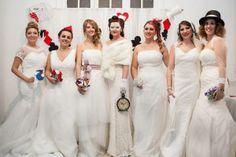 """Desfile """"Alice in Weddingland"""" organizado por Al son de un pincel @bymireiaesteban con la colaboración de preciosas novias reales como Sonia de @My Wedding Lab , MªCarmen de @Porti_mecasare y  Ingrid, Helena, Sara, Eva, Penélope  y Jessica"""