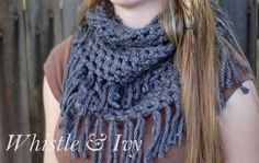 Simple Chunky Fringe Scarf - free crochet pattern that works up in an hour!