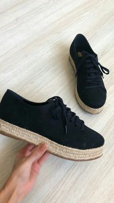 Fancy Shoes, Trendy Shoes, Me Too Shoes, Casual Shoes, Pump Shoes, Wedge Shoes, Shoe Boots, Shoes Sneakers, Beautiful Shoes
