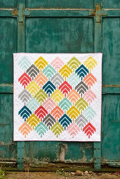It's time to cast your vote for your favorite quilt from the Modern Solids, Traditional Inspiration Challenge!! We can not thank Denyse Sch...