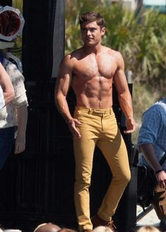 zac efron robert de niro have shirtless contest on set 20 Cody Christian, Pretty Men, Gorgeous Men, Zac Efron Pictures, Camilla Belle, Austin Mahone, Hommes Sexy, Age Of Ultron, Muscular Men