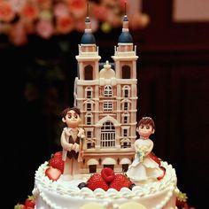 マジパンを使ったオリジナルケーキ 可愛らしいマジパンのウェディングケーキも オススメです☆ #オリジナルウェディングケーキ #マジパン #wedding#weddingcake #オリジナルウェディング #神戸セントモルガン教会 #神戸結婚式場 #オリジナルブランドpatico #プレ花嫁 #神戸プレ花嫁