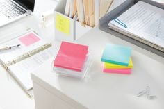 Celebrate bright colors with the Post-it Miami Color Collection.