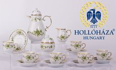 herendi porcelán készletek - Google Search Espresso Coffee, Coffee Set, School Projects, Hungary, Table Settings, Place Card Holders, Pottery, Mugs, Glass