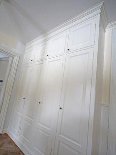 Förfrågan — Bygga in IKEAs PAX garderober med Pickyliving dörrar — BraByggare Closet Storage, Built In Storage, Tall Cabinet Storage, Wardrobe Doors, Built In Wardrobe, Closet Bedroom, Home Bedroom, Hacks Ikea, Fitted Bedroom Furniture