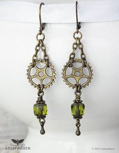 We are pleased to inform you that we have picked the top steampunk jewelry that will make you look energy filled and would feel like a walking piece of art at the same time through these great finds! Check out our top twelve steampunk jewelry from our pre Steampunk Accessoires, Mode Steampunk, Style Steampunk, Steampunk Clothing, Diy Earrings, Earrings Handmade, Handmade Jewellery, Hardware Jewelry, Steampunk Earrings