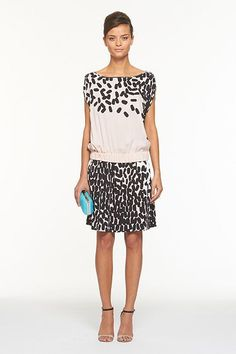 Nice Diane von Furstenberg: An easy silhouette of the season, the Tomori stands out in Spring's boldest prints and colors. Pair with a Sala heel and Tonda clutch for effortless cocktail chic. With a drop-elastic waist and zip arm closure.