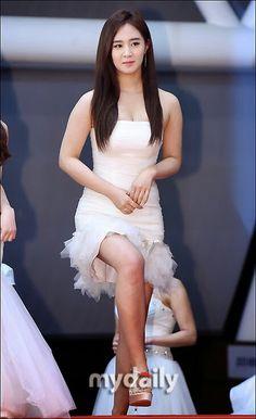Snsd yuri at Red carpet KBS Gayo Chukjae 2014