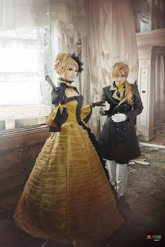 Vocaloid rin & len kagamine cosplay servant of evil Vocaloid Cosplay, Cosplay Anime, Epic Cosplay, Cute Cosplay, Cosplay Makeup, Amazing Cosplay, Cosplay Outfits, Halloween Cosplay, Cosplay Girls