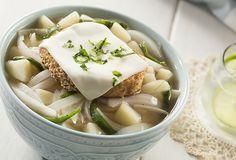 ¿Qué tal su preparas una deliciosa sopa de cebolla para la hora de comer? Prepara esta receta que Philadelphia tiene para ti y sorprende a tu familia.