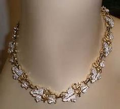 Sarah Coventry Parure Necklace and Earrings by SoulvanaVintage