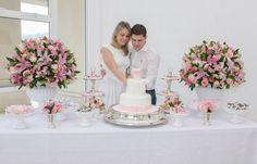 Decoração de Noivado branco e rosa bolo blog de noivas007 a Mais