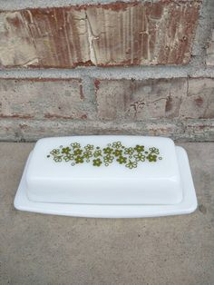 Check out this item in my Etsy shop https://www.etsy.com/listing/232785492/beautiful-spring-daisy-crazy-daisy-pyrex