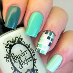 It's all about the polish: ombre green nails