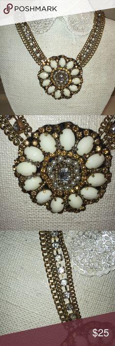 New NORDSTROM STATEMENT NECKLACE!! New Nordstrom statement necklace with tags!! Nordstrom Jewelry Necklaces