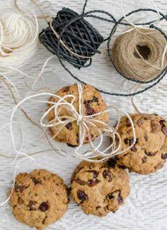 Bułeczki pszenne na jogurcie przepis   Sprawdzona Kuchnia Cookies, Desserts, Food, Gastronomia, Crack Crackers, Tailgate Desserts, Deserts, Biscuits, Essen