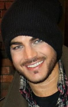 Cropped pic of Adam backstage