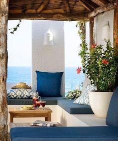 Para um sábado perfeito. Em Mijas, Espanha por Toni Pons (www.inandoutdecor.com.br) #inandoutdecor // For a perfect saturday. In #mijas, #spain by #tonipons