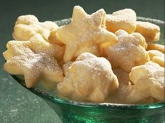 Šlehačkové cukroví Christmas Candy, Christmas Baking, Christmas Cookies, Christmas Recipes, Sweet Recipes, Snack Recipes, Snacks, Czech Recipes, Ethnic Recipes