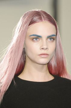 Cara Delevingne // blue eyebrows
