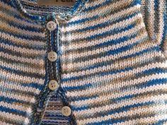 Chaquetas - Chaqueta de punto a rallas blancas y azules - hecho a mano por serendipetit en DaWanda