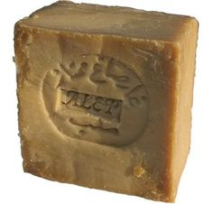 This special soap is made by hand with traditional methods in the ancient town of Aleppo (in northern Syria). It is made from the combination of olive and laurel (bay leaf) oil. Aleppo Soap, Best Soap, Shampoo Bar, Hygiene, Soap Making, Skin Care, Body, Objects, Sweet