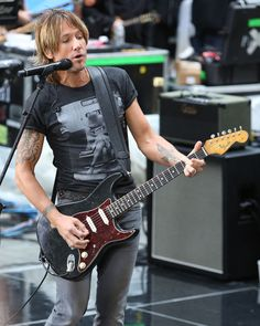 Keith Urban Photos Photos: Keith Urban Performs in NYC Country Western Singers, Country Music, Best Heavy Metal Bands, Nbc Today Show, Today Pictures, Album Of The Year, Almost Perfect, Keith Urban, Nicole Kidman