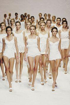 49e3ca4f869b dolce  amp  gabbana  lt 3 Love Fashion