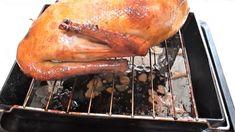 Как приготовить гуся целиком с белыми грибами и картофелем Turkey, Meat, Food, Turkey Country, Essen, Meals, Yemek, Eten