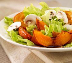Herbstlicher Salat mit gebackenem Kürbis