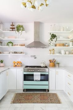 From refrigerator paint-to-refrigerator covers, we were able to find some cheap appliance makeovers that makes all the difference within your kitchen.