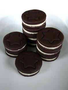 Oreo keksz házilag Muesli, Biscuits, Food And Drink, Sweets, Cookies, Baking, Christmas, Recipes, Macaron