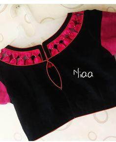 Saree Blouse Neck Designs, Kurta Neck Design, Dress Neck Designs, Blouse Patterns, Crop Top Designs, Fancy Blouse Designs, Saree Fashion, Fashion Blouses, Stylish Blouse Design