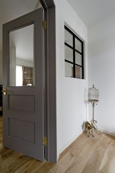 Iron interior window Expert: DEN PLUS EGG's entrance, interior window-room … – Clock Ideas Interior Windows, Gray Interior, Room Interior, Interior Design, Style At Home, Door Design, House Design, Home Fashion, Fashion Room