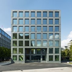 Office building by Max Dudler on Herostrasse extends the existing IBM building and rounds tut the ensemble.