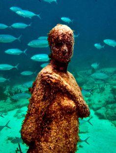 Excurisones riviera maya playa isla mujeres estatua mujer fondo del mar