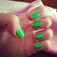 Lemon-glow in the dark nails